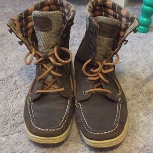 Sperry brown boots!